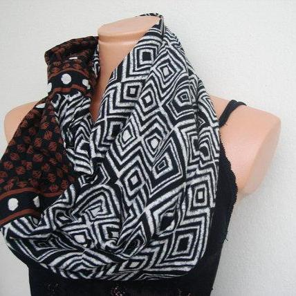 Black and white tube scarf